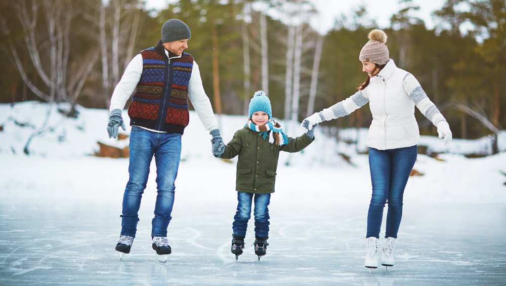 Family-on-ice-rink