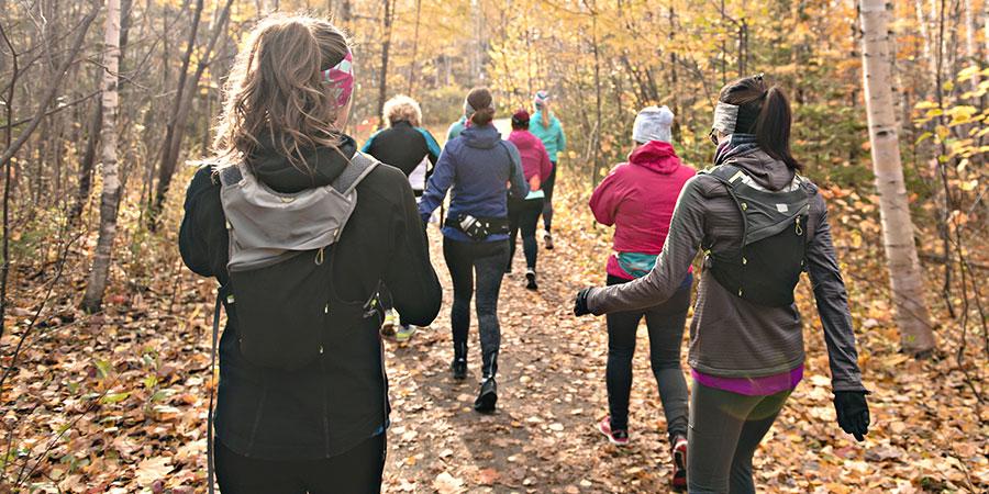 JaneDummer-Women_Outdoors_Fall_Walking